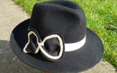 Fedora feutre, noeud et croquet